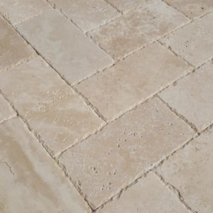 20020078-classic-light-travertine-pavers-6x12-multi-top-close-view-www.thulahome.com-upd
